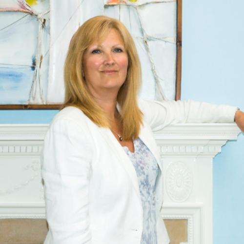 Dr Carole Bronsdon